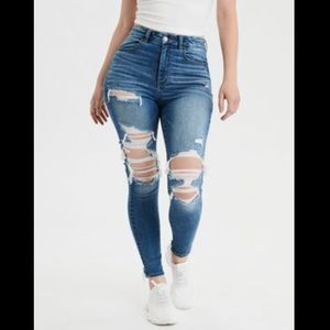 NWOT American Eagle distressed high rise jegging